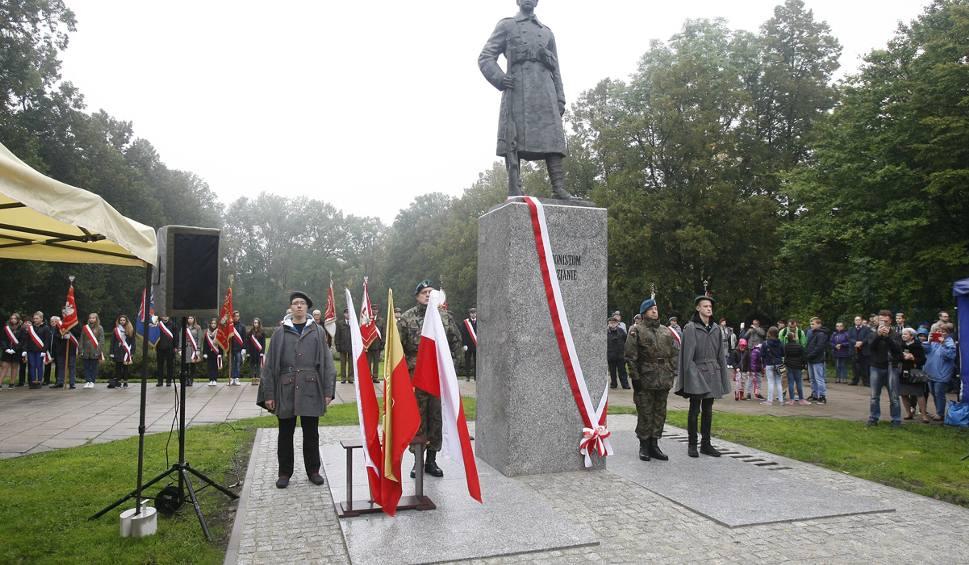 Film do artykułu: Odsłonięcie Pomnika Legionisty w Łodzi [ZDJĘCIA]