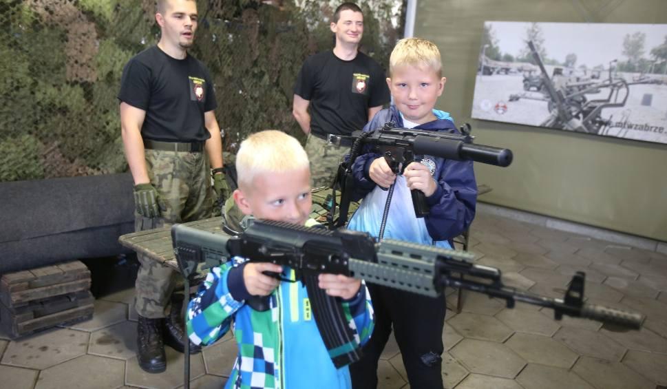 Film do artykułu: Zabrze: Wojskowy Piknik Rodzinny w Parku Techniki Wojskowej ZDJĘCIA