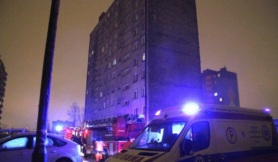 Film do artykułu: Desperatka na balkonie w Kielcach i szybka akcja służb