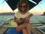 Julia Pietrucha od dłuższego czasu nie rozstaje się z ukulele