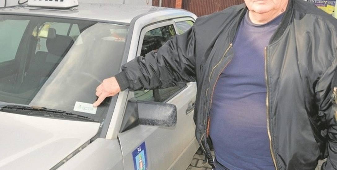 Andrzej Janowiec protestuje przeciw imiennym identyfikatorom dla taksówkarzy.  - To naraża nas na niebezpieczeństwo - uważa
