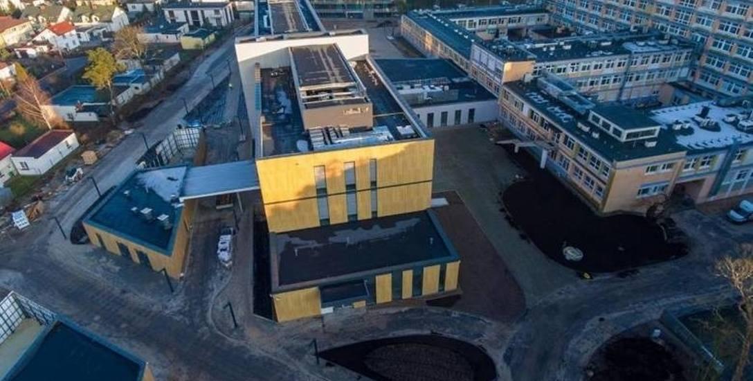 Szpital na Bielanach: podejrzenie koronawirusa. Pacjenci i personel w izolacji