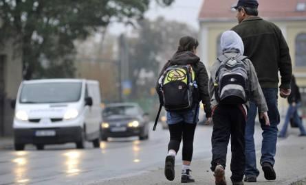 Za ciężkie tornistry? Trwają kontrole w szkołach w Śląskiem