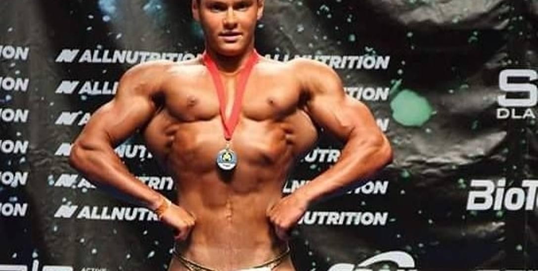 Adrian Ekiert w 2 lata zmienił się nie do poznania i zdobył pierwsze mistrzostwo