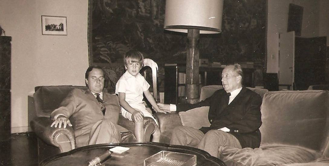 Roman Sanguszko ze swoim synem Piotrem oraz wnukiem Pawłem na emigracji w Brazylii, dokąd udało mu się przewieźć część swoich dóbr z Podhorców.
