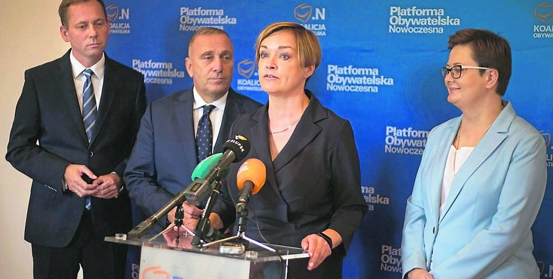 Podczas piątkowej konferencji liderzy PO i Nowoczesnej wsparli Beatę Chrzanowską