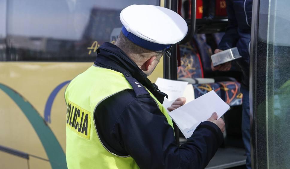 Film do artykułu: Uwaga! Dziś na drogach Podkarpacia wzmożone kontrole. Policjanci biorą pod lupę autobusy i busy