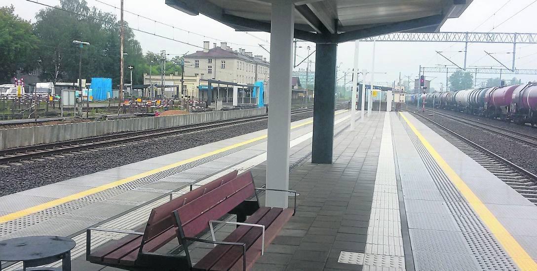 Na dworcu w Szczakowej podróżni mają już do dyspozycji nowy peron, ale to nie koniec prac modernizacyjnych na tej stacji