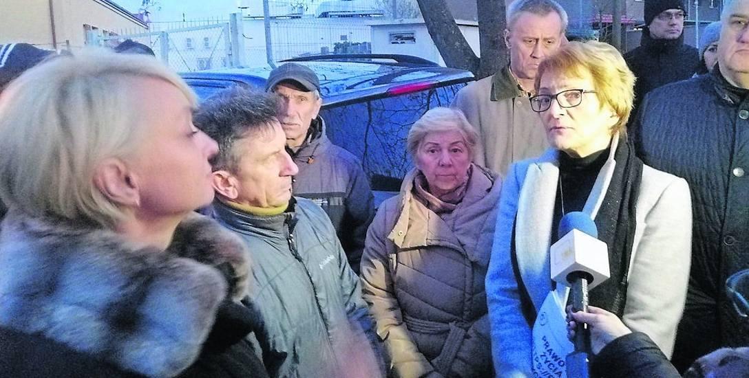 Protestujący mieszkańcy osiedla Bocianie Gniazdo, dwa tygodnie temu spotkali się w prezydent Anną Mieczkowską. To ona i jej ludzie wymyślili fortel w