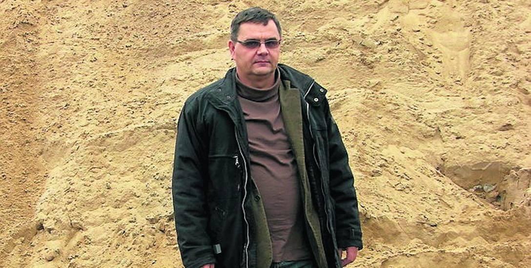 Piotr Majka, prezes ZUM, zapewnia, że soli i piasku do posypywania ulic na razie powinno wystarczyć