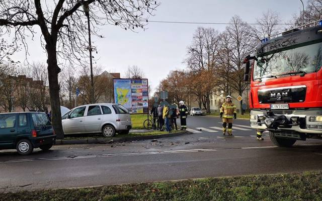 Wypadek w Ludzisku. Samochd wypad z drogi [zdjcia