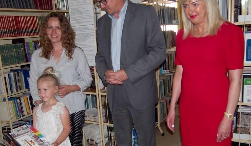 Film do artykułu: Najlepsi mali czytelnicy nagrodzeni w skarżyskiej bibliotece