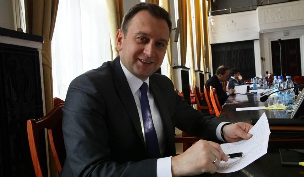 """Film do artykułu: Trela do Kaczyńskiego: Nazywanie kogokolwiek """"ludźmi specjalnej troski"""" urąga ludzkiej godności"""