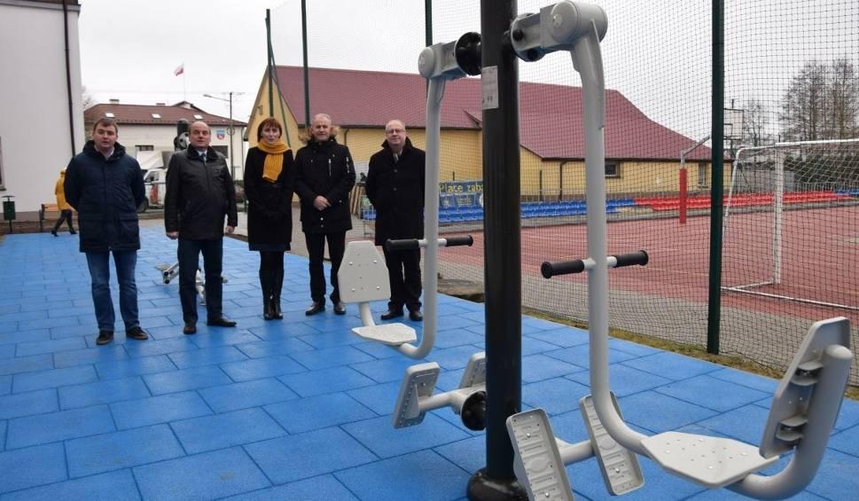 Film do artykułu: W Krasocinie wybudowano piękną siłownię zewnętrzną. Gminę wsparła firma Lhoist