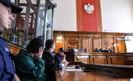 Wampir z Bytowa, Leszek P. przed gdańskim sądem stanął w czapce naciągniętej na twarz