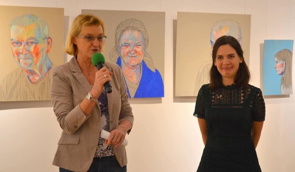 Film do artykułu: Radom. Nowa wystawa rysunku i malarstwa Anny Szostek w Miejskiej Bibliotece Publicznej