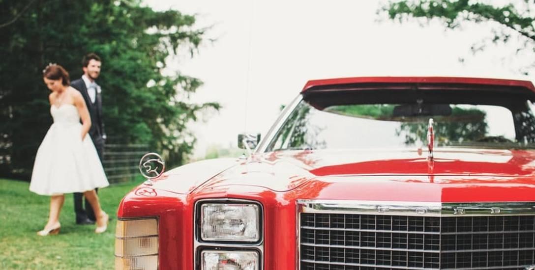 Limuzyna czy bryczka. Jakim autem jechać na ślub?