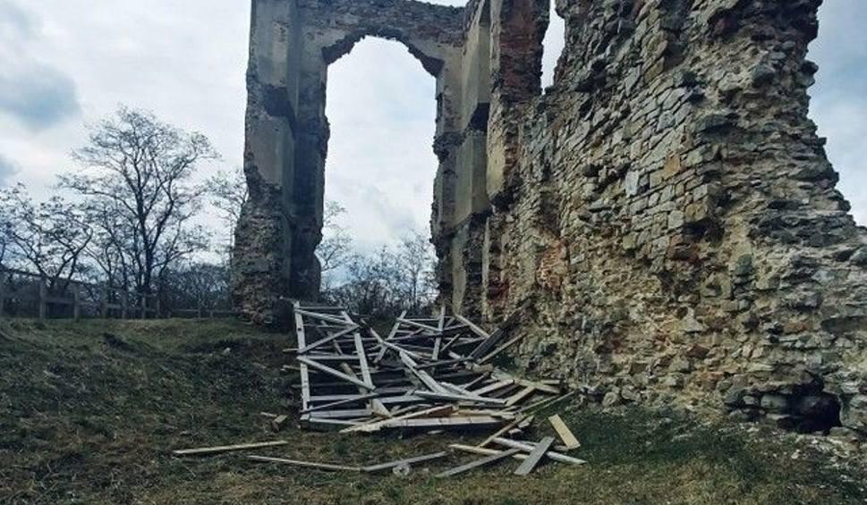 Film do artykułu: Kradzież na zamku w Bodzentynie. Konstrukcja runęła po wichurze
