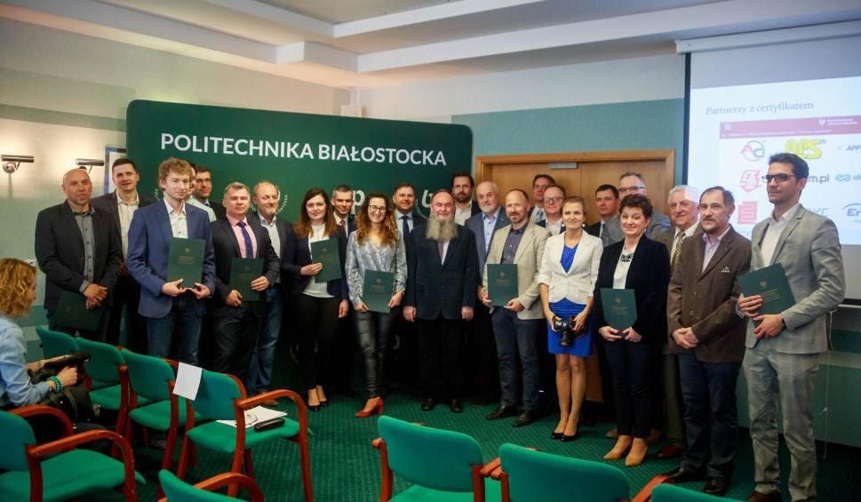Film do artykułu: Politechnika Białostocka uhonorowała przedsiębiorców certyfikatami Partner Politechniki Białostockiej w kształceniu praktycznym (wideo)
