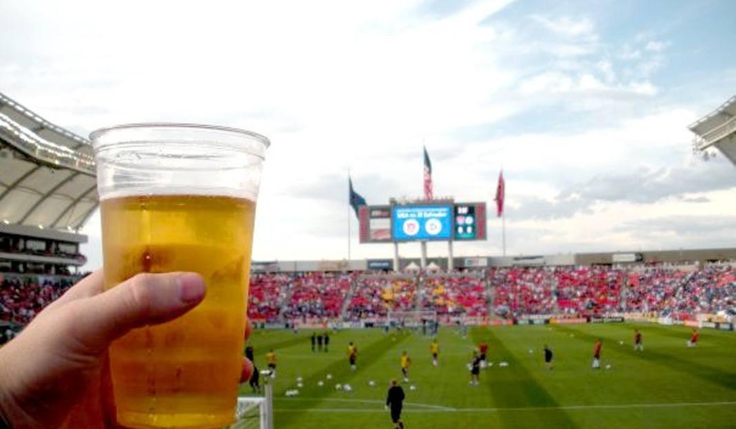 Piwo Na Stadionach Gdzie Czego I Za Ile Napijemy Się W