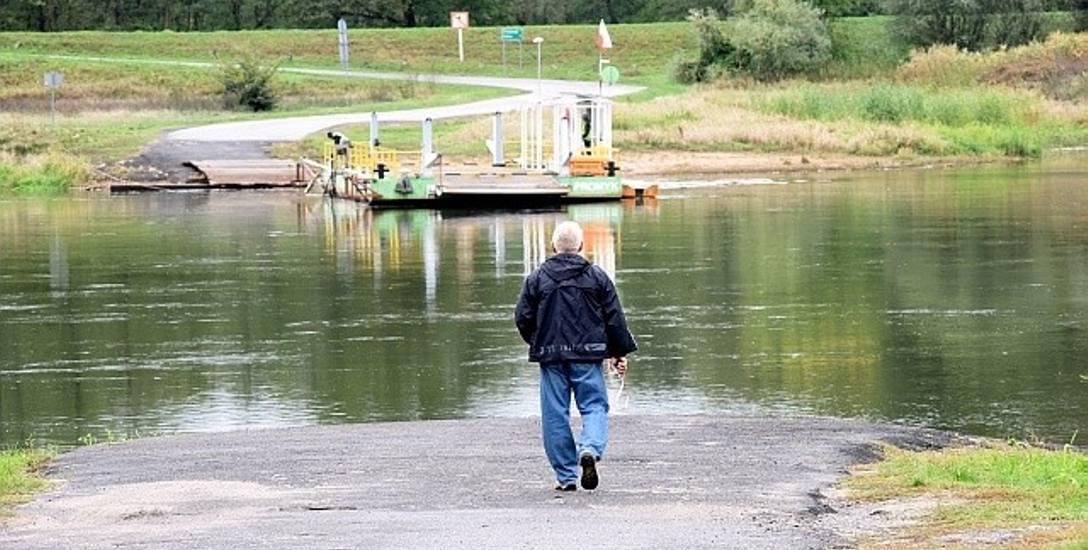 Prom w Połęcku często jest nieczynny nie tylko z powodu pogody, ale i zmroku