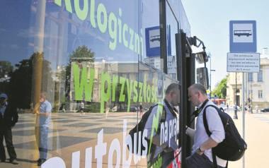 Elektryczne albo hybrydowe autobusy komunikacji miejskiej nie są już tylko marzeniem ekologów, bo kujawsko-pomorskie miasta stawiają właśnie na taki