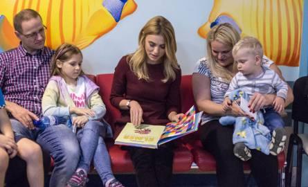 Kasia Tusk czytała dzieciom [ZDJĘCIA]