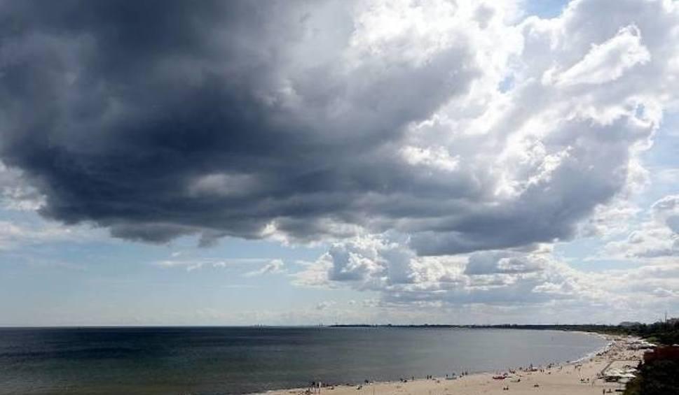 Film do artykułu: Jaka będzie pogoda we wtorek, 22 maja 2018 (22.05.2018) na Pomorzu? Przelotne opady deszczu i burze [PROGNOZA POGODY]