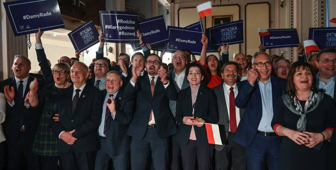 Wybory do europarlamentu 2019. PiS to pędzący bolid i jedzie po kolejną wygraną [opinia]