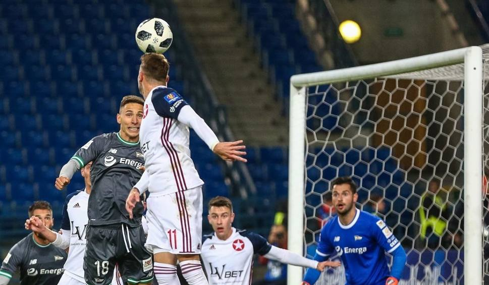 Film do artykułu: Puchar Polski. Rzuty karne rozstrzygnęły mecz między Wisłą Kraków a Lechią Gdańsk