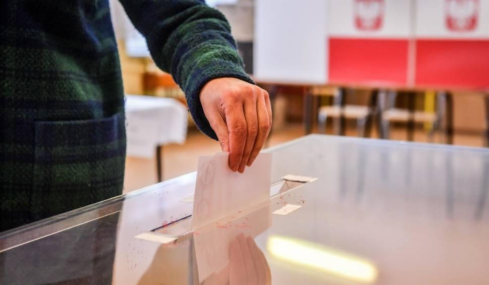 Film do artykułu: Cisza wyborcza przed wyborami do Europarlamentu 2019. Kiedy się zaczyna, ile trwa i na czym polega cisza wyborcza?