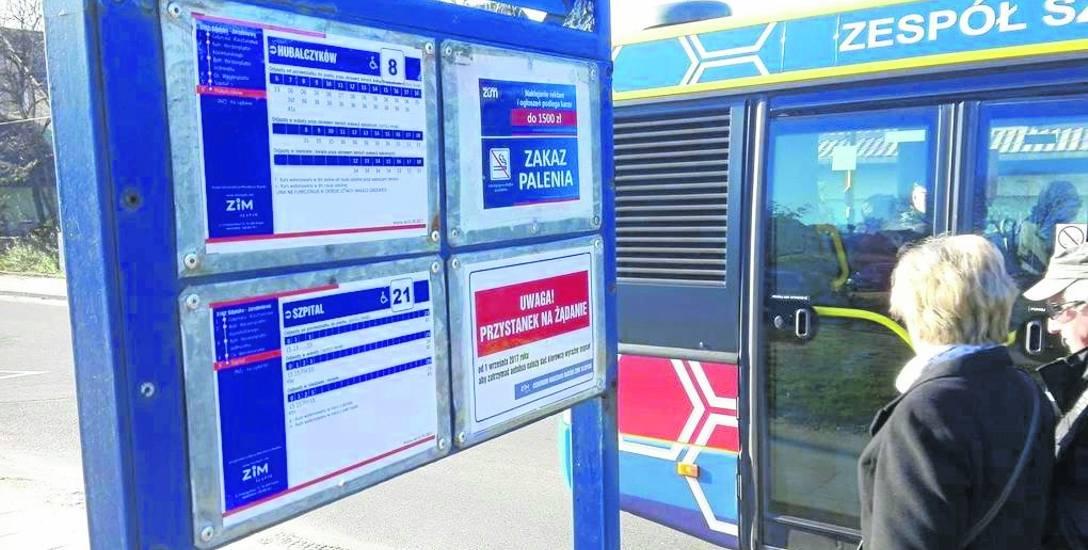 Od września 27 przystanków, które dotychczas były stałe, zamieniono na przystanki na żądanie. Wśród nich znalazł się ten Gdyńska-Jarzębinowa. Informują