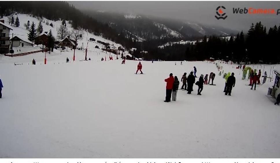 Film do artykułu: Warunki narciarskie w Beskidach: To wymarzona zima dla narciarzy [ZDJĘCIA Z KAMEREK+WIDEO]