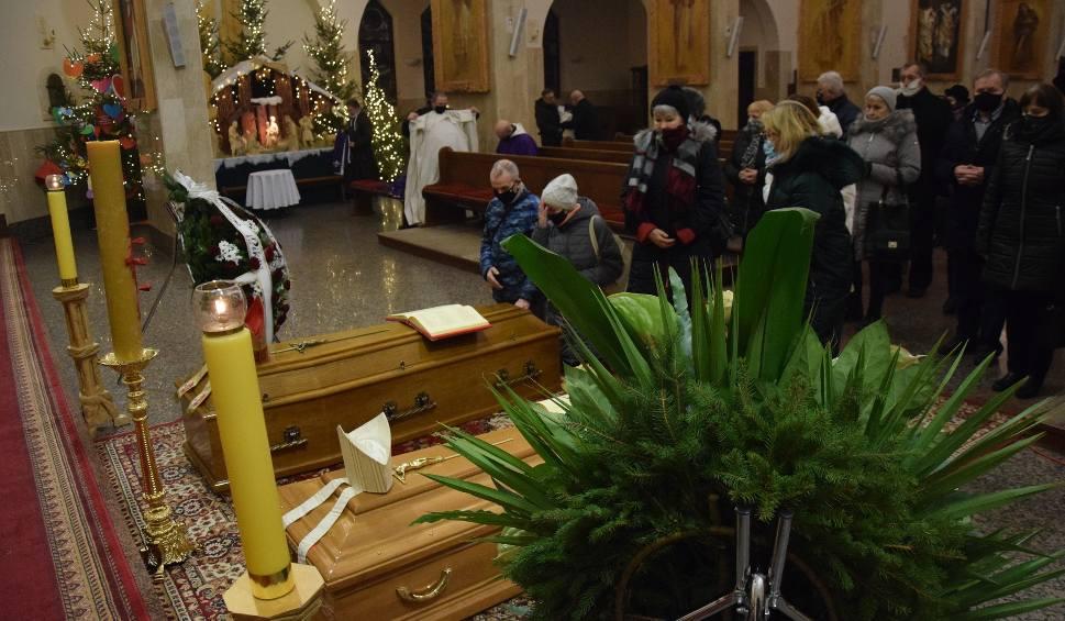 Film do artykułu: Gorzów. Wierni i duchowni żegnają zmarłych biskupów: Adama Dyczkowskiego i Antoniego Stankiewicza