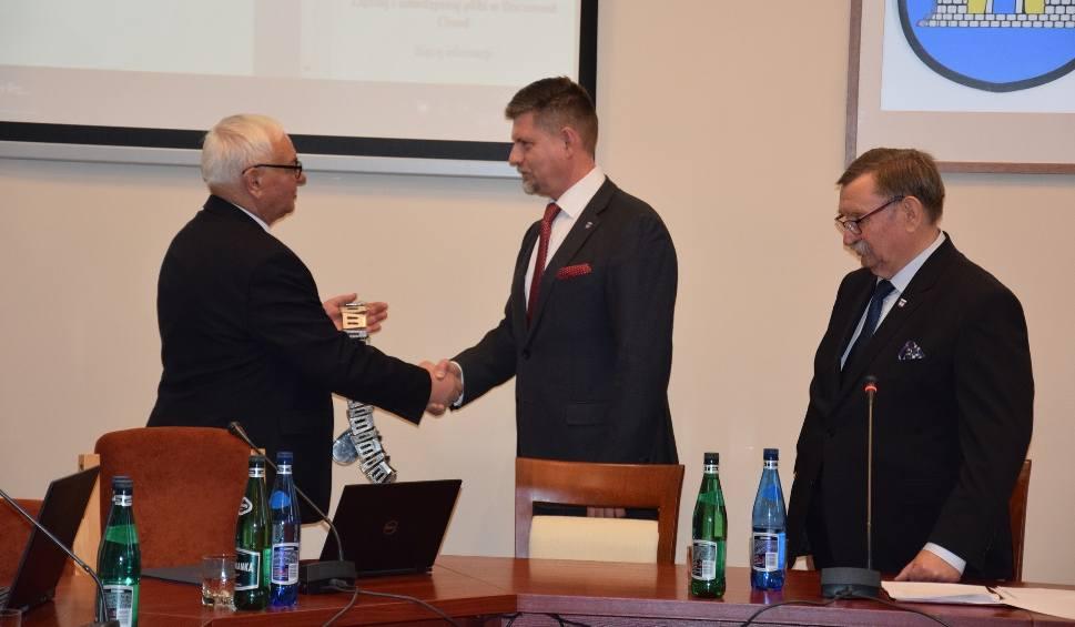 Film do artykułu: Grzegorz Koziełek szefem Rady Miejskiej w Żninie. Jego zastępcami są Elżbieta Gogola i Kazimierz Jańczak [zdjęcia, wideo]