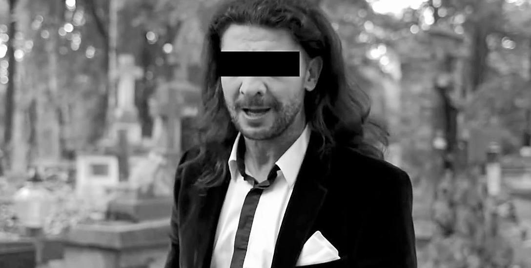"""44-letni Janusz K. ps. Bokserek wystąpił w teledysku """"Bandyckie tango"""", który ma już ponad milion odsłon w internecie"""