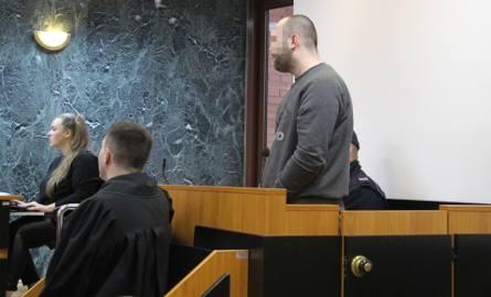 Nożownik z galerii VIVO! przed sądem w Tarnobrzegu:  - Nie chciałem nikogo zabić, chciałem zranić... (zdjęcia)