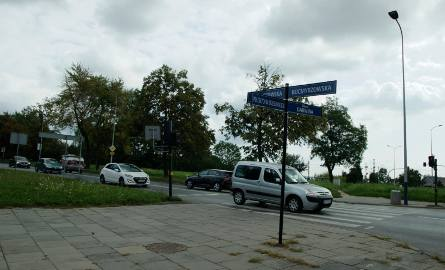 W 2019 roku rozpocząć ma się w końcu przebudowa ul. Kocmyrzowskiej. Rozbudowany zostanie trzykilometrowy odcinek od ul. Darwina do granicy miasta. Obecnie