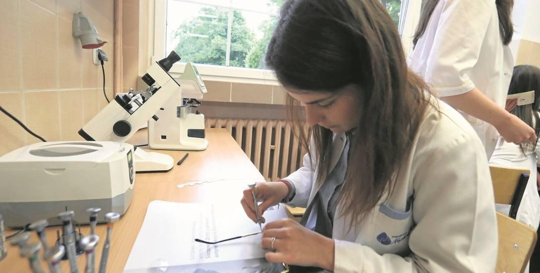 Na Wydziale Matematyczno-Fizycznym Uniwersytetu Szczecińskiego kształcić się mogą optycy okularowi