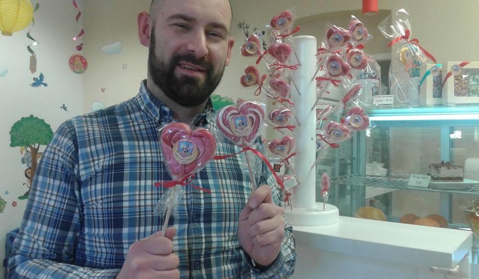 Film do artykułu: Manufaktura Słodyczy w Kielcach oferuje Karmelowe Walentynki