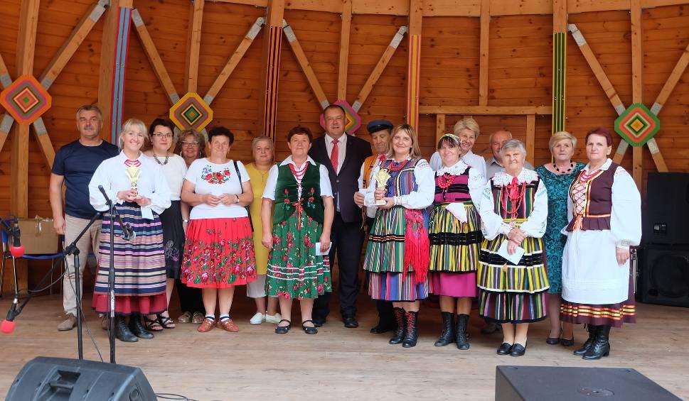 Film do artykułu: Wieniawa. Najlepsi artyści ludowi zagrali na festiwalu Stanisława Stępniaka