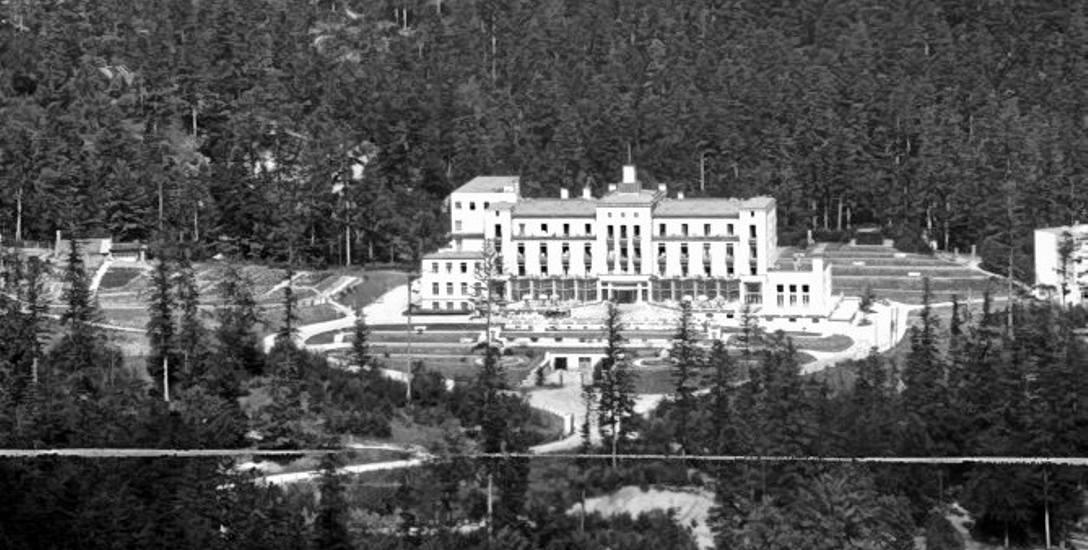 """Hotel """"Excelsior"""", jeden z obiektów zdobytych w czasie akcji"""