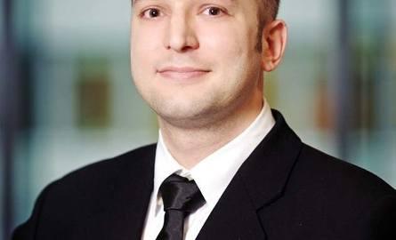 Jan Jakub Zombirt, analityk rynku powierzchni handlowych w Jones Lang LaSalle