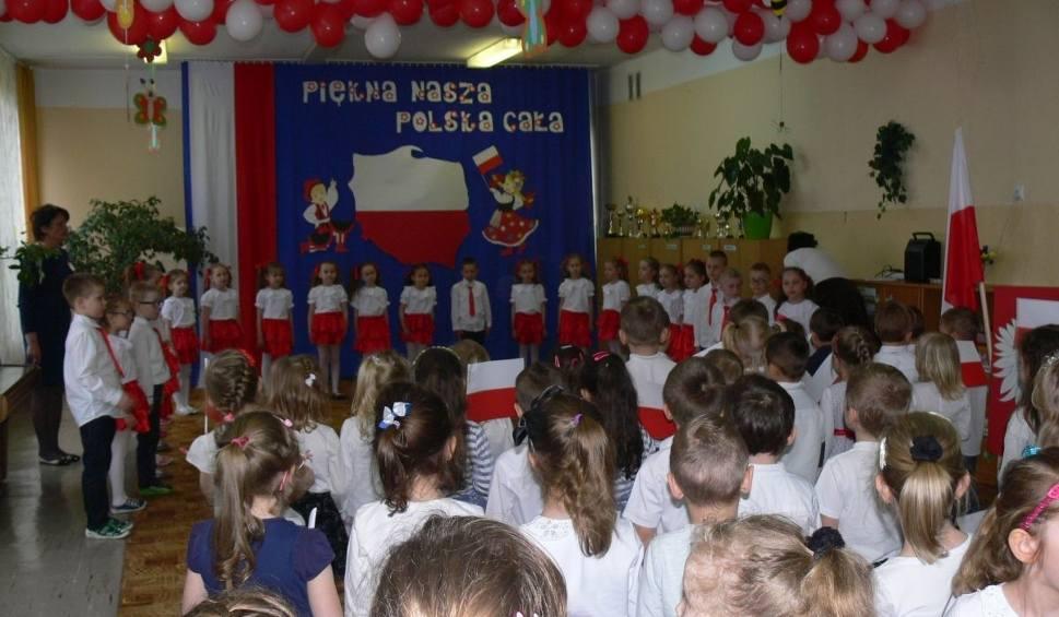 """Film do artykułu: Dzień Flagi w tarnobrzeskiej """"dwunastce"""""""