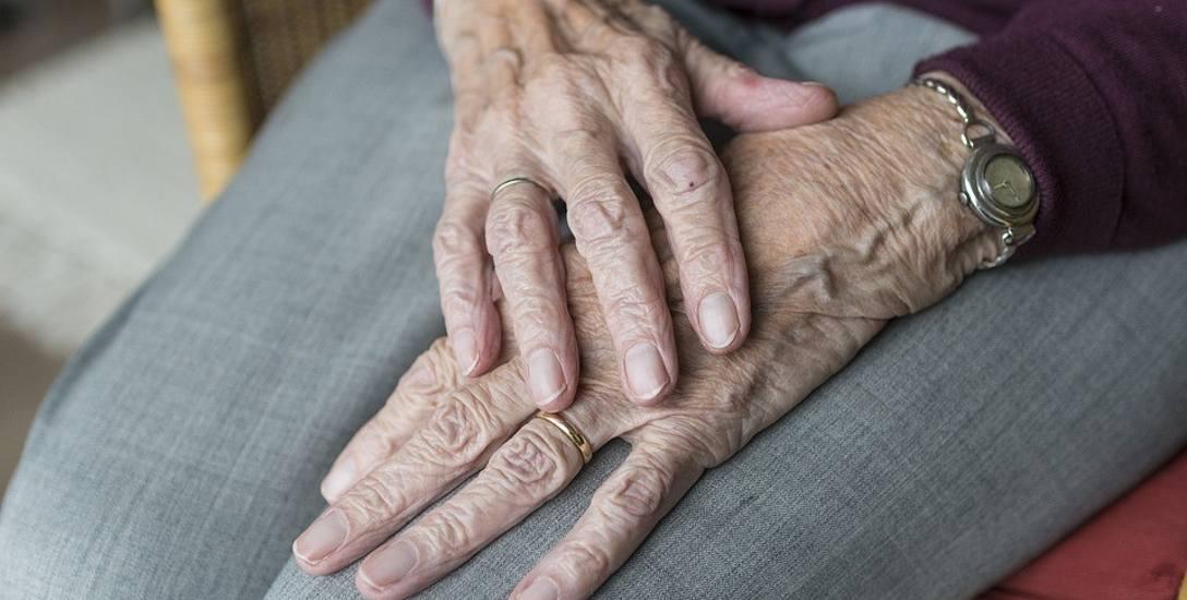 Od marca tego roku - więcej pieniędzy dla 100-latków