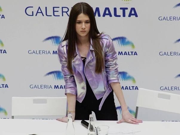 W sobotę w Poznaniu pojawiła się Roksana Węgiel. Młoda wokalistka wzięła udział w Talent Show w Galerii Malta. Zwyciężczyni The Voice Kids oraz  Eurowizji
