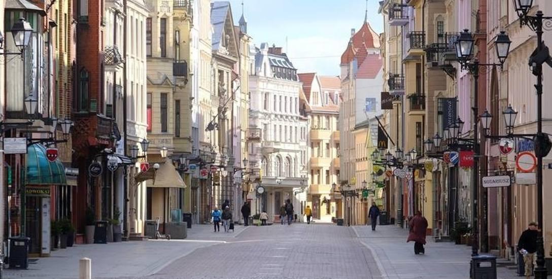 Oskarżona wyszła na zakupy na starówkę w Toruniu