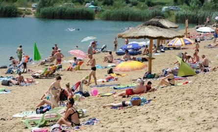 """W sobotę swoją działalność rozpoczęła """"Plaża Ostrów"""" pod Przemyślem. Ośrodek rekreacyjno-wypoczynkowy zlokalizowany jest na żwirowni."""