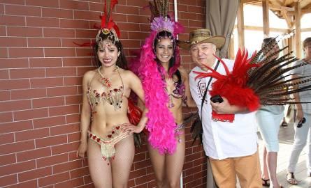 Sceną na molo zawładnęły piękne Brazylijki, które strojami i tańcami stworzyły nastrój iście rodem z karnawału z Rio de Janeiro. [a]http://www.pomorska.pl/;>>