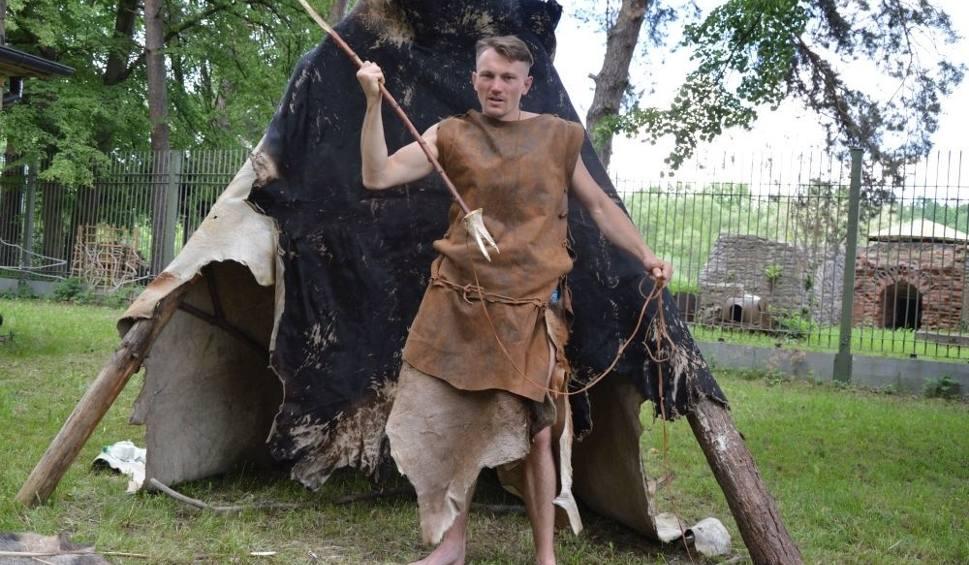 Film do artykułu: Trzy dni będzie trwał tegoroczny Piknik Archeologiczny PraOsada Rydno. Po raz pierwszy nie nad rzeką Kamienną, ale na Rejowie,